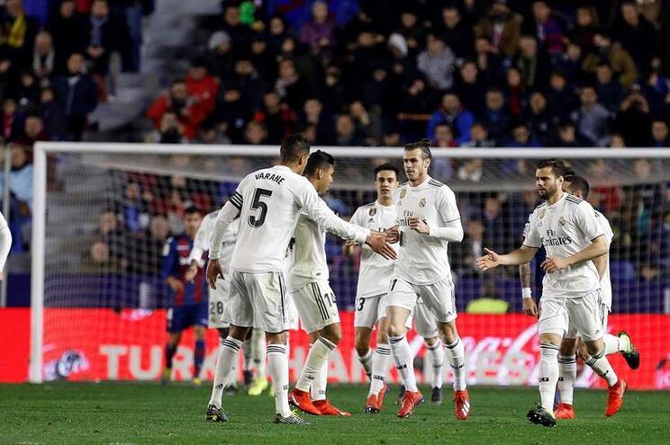 Real Madrid vence Levante com duas grandes penalidades validadas pelo VAR