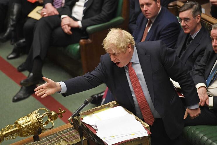 Número de empresas a querer deixar o Reino Unido diminuiu com a entrada em funções do atual primeiro-ministro