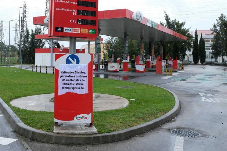 GNR e PSP asseguraram 48 abastecimentos para hospitais e aeroportos
