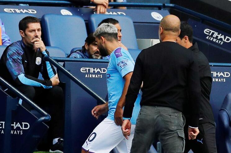 """Guardiola explica discussão com Agüero e garante: """"É um rapaz que eu adoro"""""""