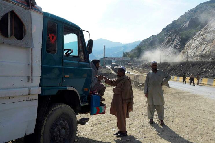 Província afegã de Herat faz fronteira com o Irão, um dos países mais afetados pela pandemia