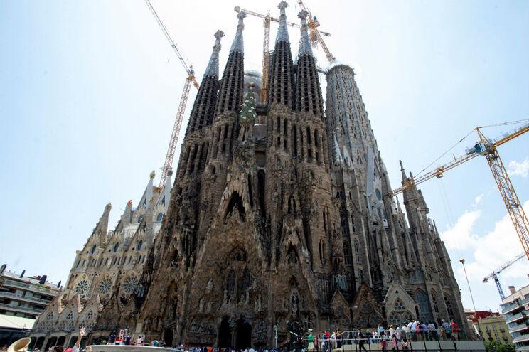 Sagrada Família é apontada por muitos críticos como o expoente máximo da arquitetura modernista catalã