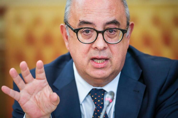 Ministro da Defesa diz que não sabia do material de Tancos não recuperado