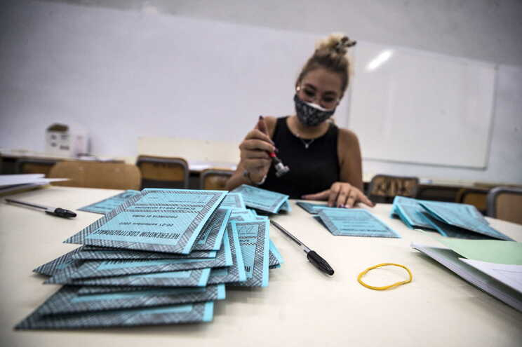Este domingo e segunda-feira os italianos vão pela primeira vez às urnas desde o início da pandemia