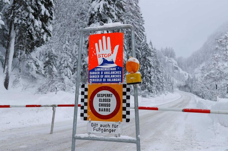 Resultado de imagem para Três mortos e um desaparecido na Áustria em avalancha de neve