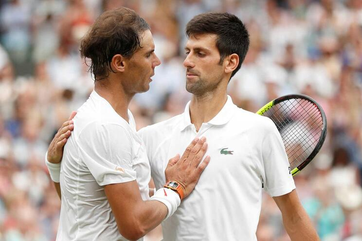 Djokovic vence Nadal e está de regresso a uma final de Grand Slam