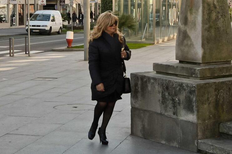 Maria Amélia de Jesus terá ainda de pagar 100 mil euros a Abílio Ribeiro