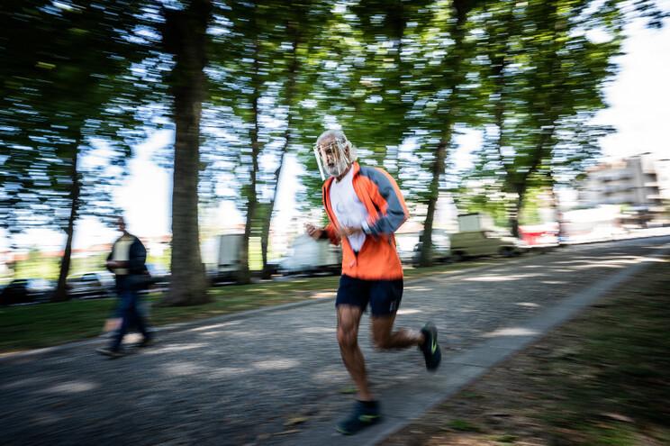 José Ribeiro corria em grupo em Braga, mas agora fá-lo sozinho e de viseira