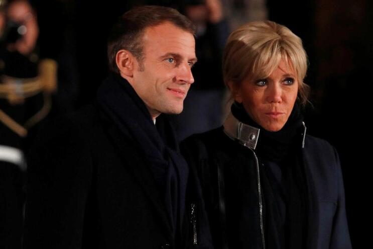 Presidente francês Emmanuel Macron e a mulher Brigitte