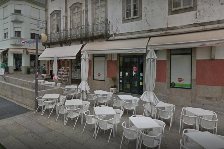 Café Guerreiro, na Avenida dos Combatentes da Grande Guerra, em Viana do Castelo