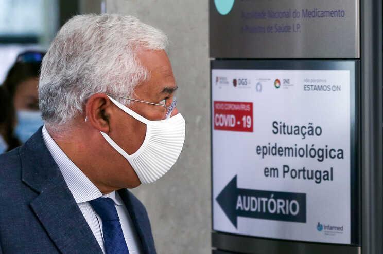 """Situação em Portugal é """"estável"""" e reuniões no Infarmed continuam"""