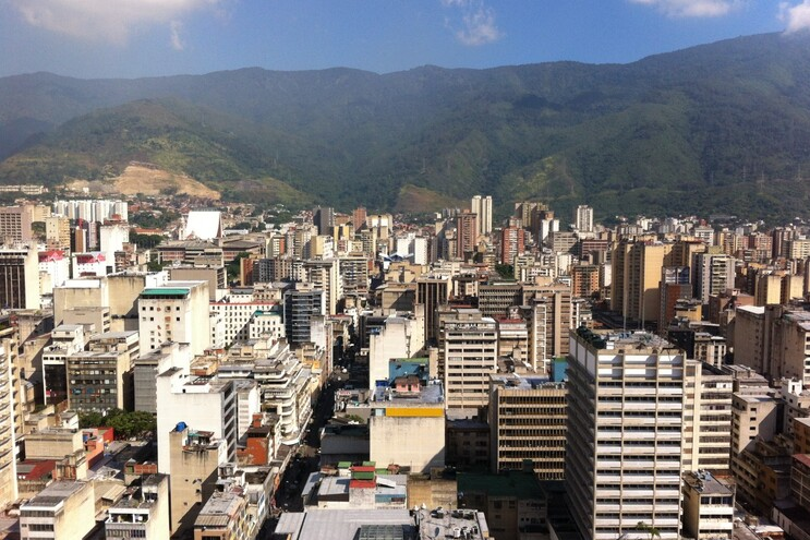 O Centro Marítimo de Venezuela, antigo Centro Luso de Caracas, é um dos espaços encerrados