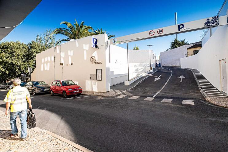 EMEL volta a cobrar estacionamento em Lisboa