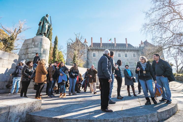 Turismo de excursão predomina na cidade