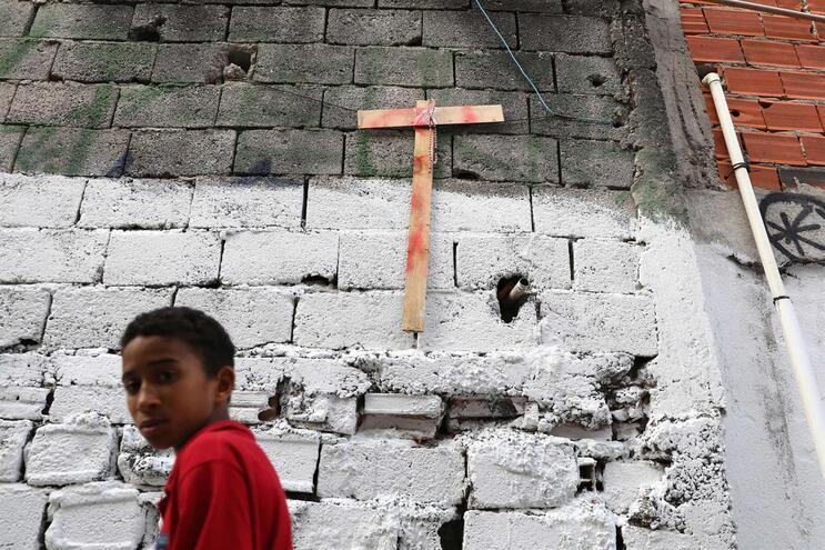 Governador de São Paulo diz que vai rever protocolos após morte de nove jovens