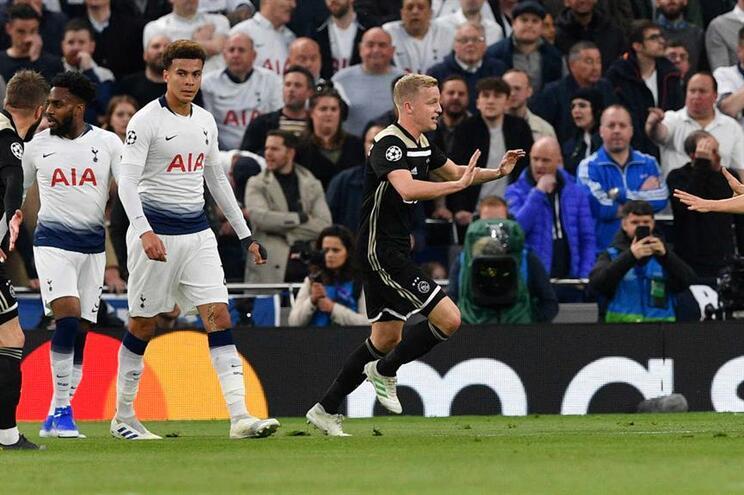 Ajax vence Tottenham na primeira mão das meias-finais
