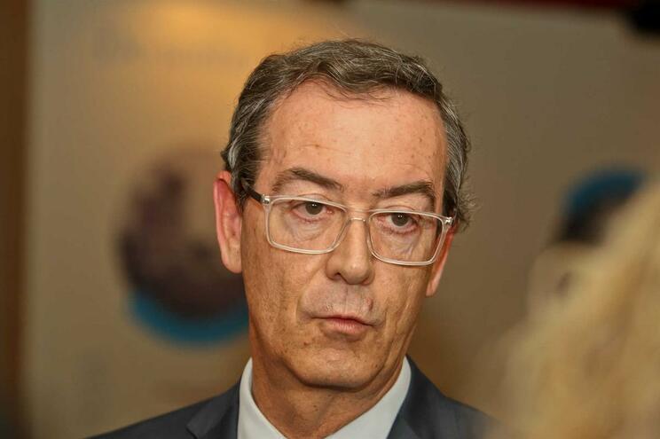 """O bastonário da Ordem dos Médicos, Miguel Guimarães, entende que o primeiro-ministro """"não está a saber"""
