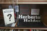 Livro proibido de Herberto Helder volta às bancas