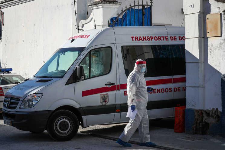 Surto de covid-19 no lar de Reguengos resultou na morte de 18 pessoas