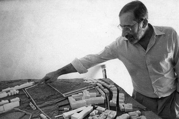 Arquiteto Álvaro Siza Vieira.