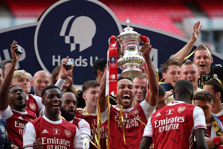 Arsenal conquista Taça de Inglaterra. Veja os três golos da partida