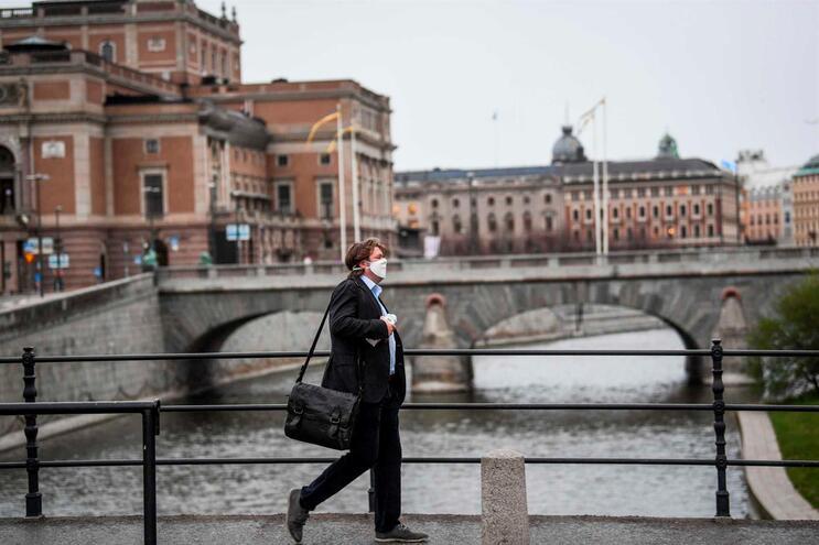 Suécia vai alargar testes à covid-19 para que ninguém fique em casa inutilmente