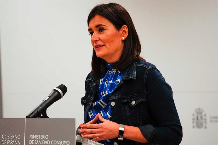 Ministra da Saúde espanhola demite-se após polémica com mestrado