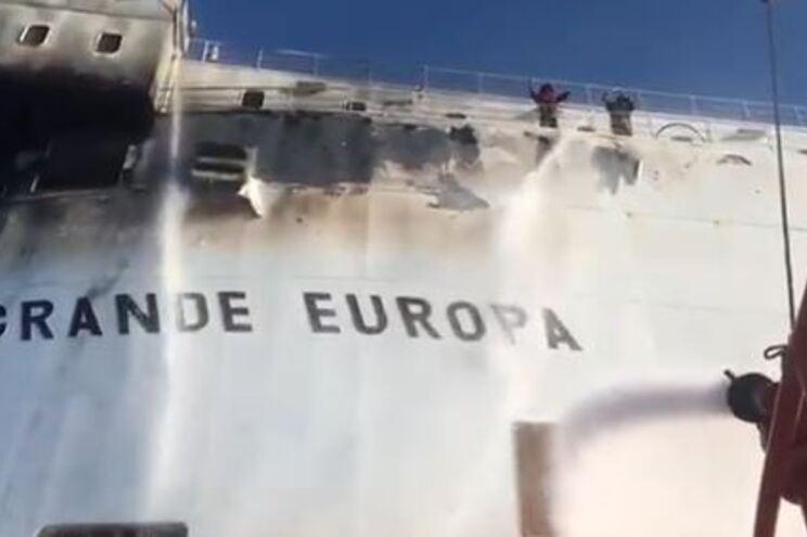 Navio em chamas obriga à retirada da tripulação em Maiorca