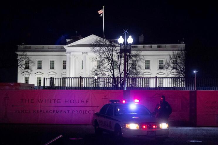 Casa Branca acompanha situação e avalia resposta após ataque do Irão