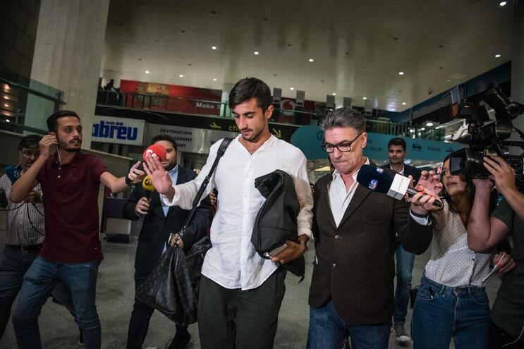 Perin adiado no Benfica e Fábio Coentrão no PAOK