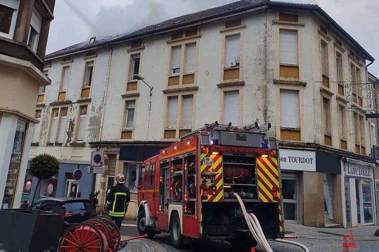 Incêndio em França deixa vários portugueses desalojados