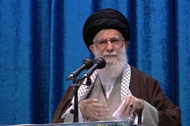 Ali Khamenei proferiu a oração de sexta-feira em Teerão, pela primeira vez desde 2012