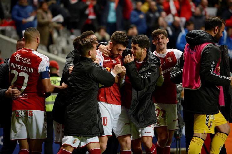 Golo de Paulinho no último suspiro coloca Braga na final