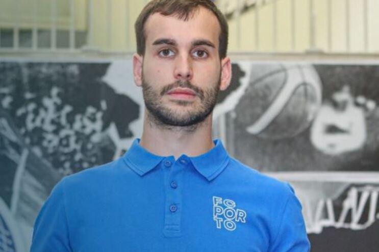 Xavi Barroso é reforço da equipa de hóquei em patins do F. C. Porto