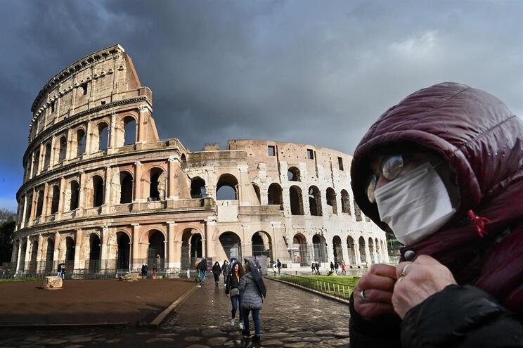 Já morreram 233 infetados em Itália: Milão e Veneza em quarentena