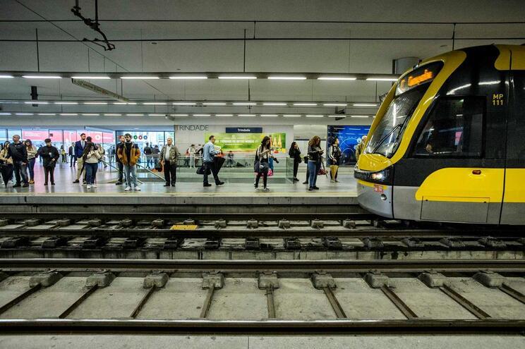 Metro do Porto retoma operação na terça-feira