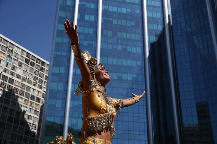 Aeroportos do Rio de Janeiro devem receber 560 mil turistas no Carnaval