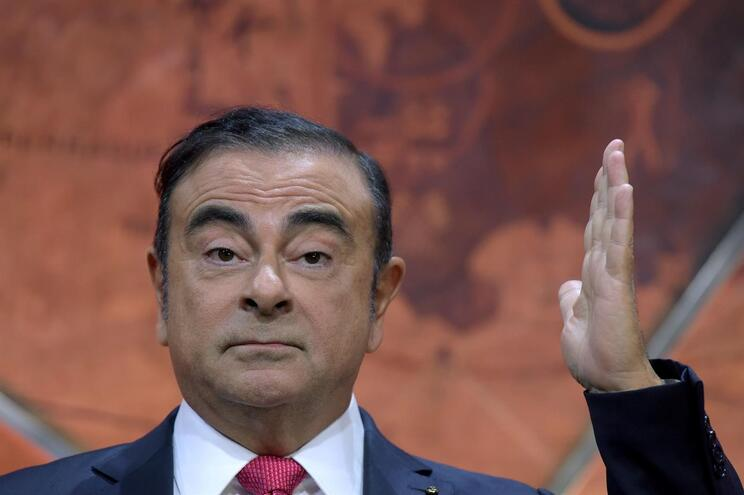 Ex-presidente da Renault-Nissan nega que família o tenha ajudado a fugir