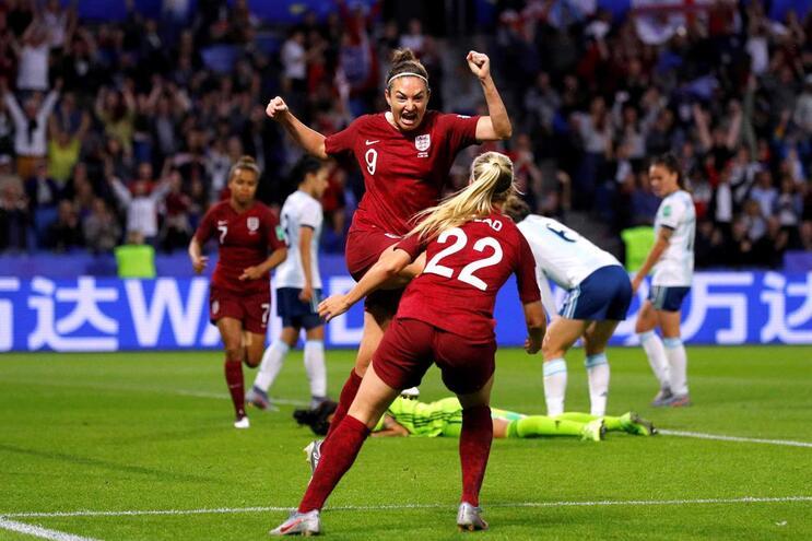 Jodie Taylor foi a autora do único golo da vitória de Inglaterra sobre a Argentina