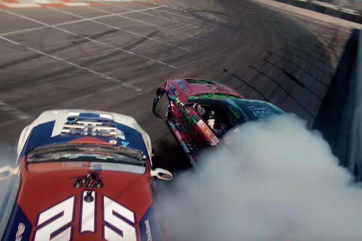 VÍDEO: Sentir a adrenalina do drift (mesmo) entre os carros