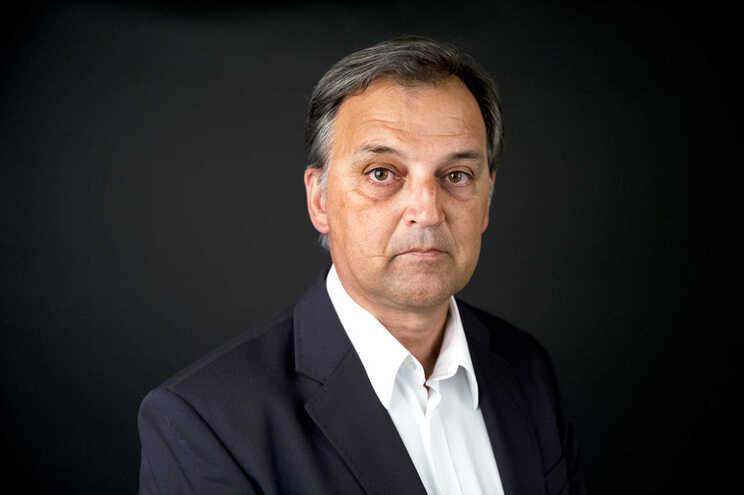 José Leirós precisa do apoio de oito delegados, que não apoiem Fernando Gomes, para concorrer ao CA