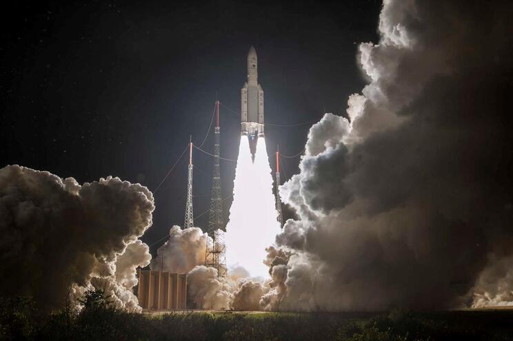 Lançamento do foguetão Ariane 5