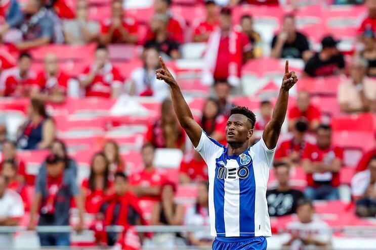 Zé Luís (F.C. Porto) melhor avançado de agosto