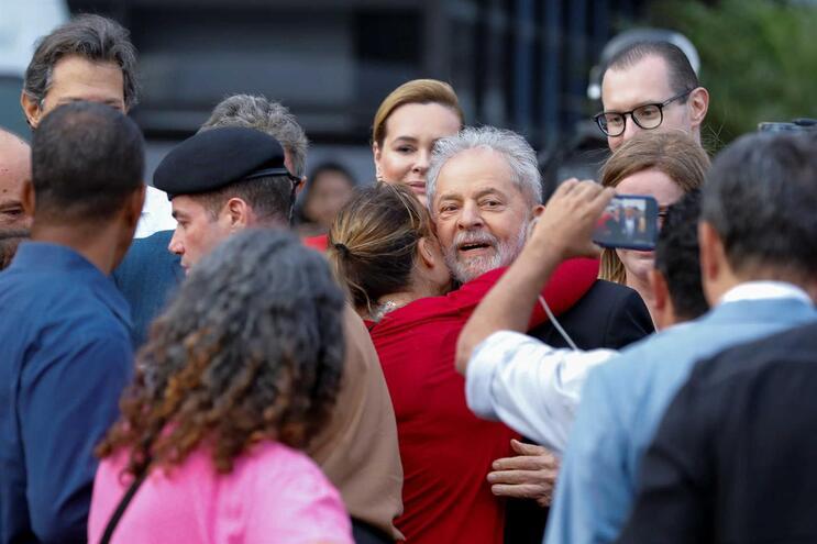 BE e PCP saúdam libertação de Lula
