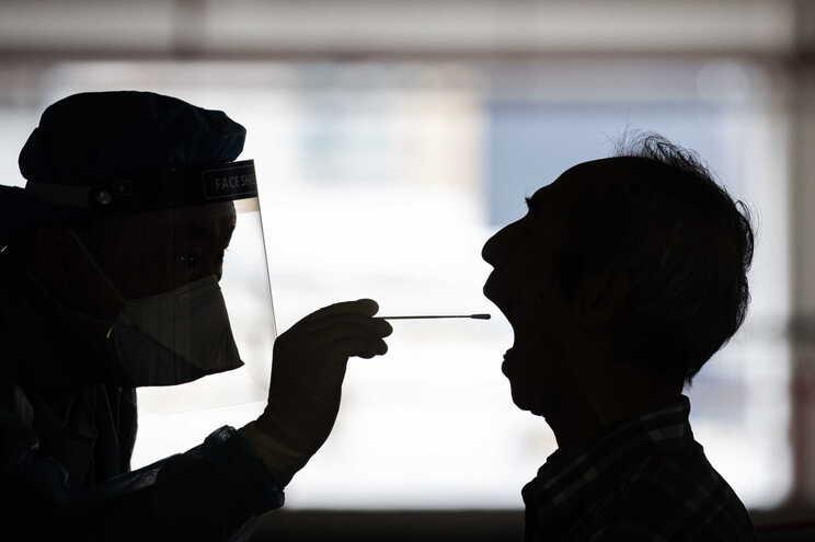 China regista oficialmente 83.729 infetados e 4634 mortos