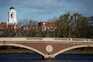 Harvard e MIT tentam impedir expulsão de alunos estrangeiros nos EUA