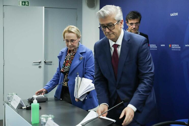 A diretora-geral de Saúde, Graça Freitas, e o secretário de Estado da Saúde, António Lacerda Sales