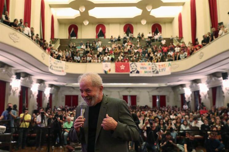 """Lula da Silva durante a apresentação do livro """"Lawfare"""", em São Paulo"""