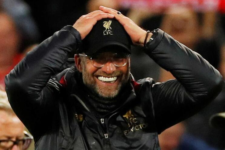 Liverpool abre as portas do balneário e mostra a festa da goleada ao Barcelona