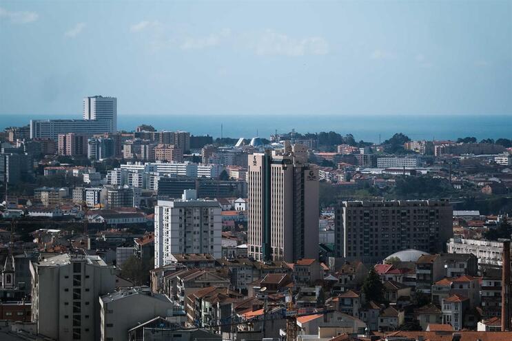 Lei que suspende despejos e denúncias de contratos de arrendamento já está em vigor